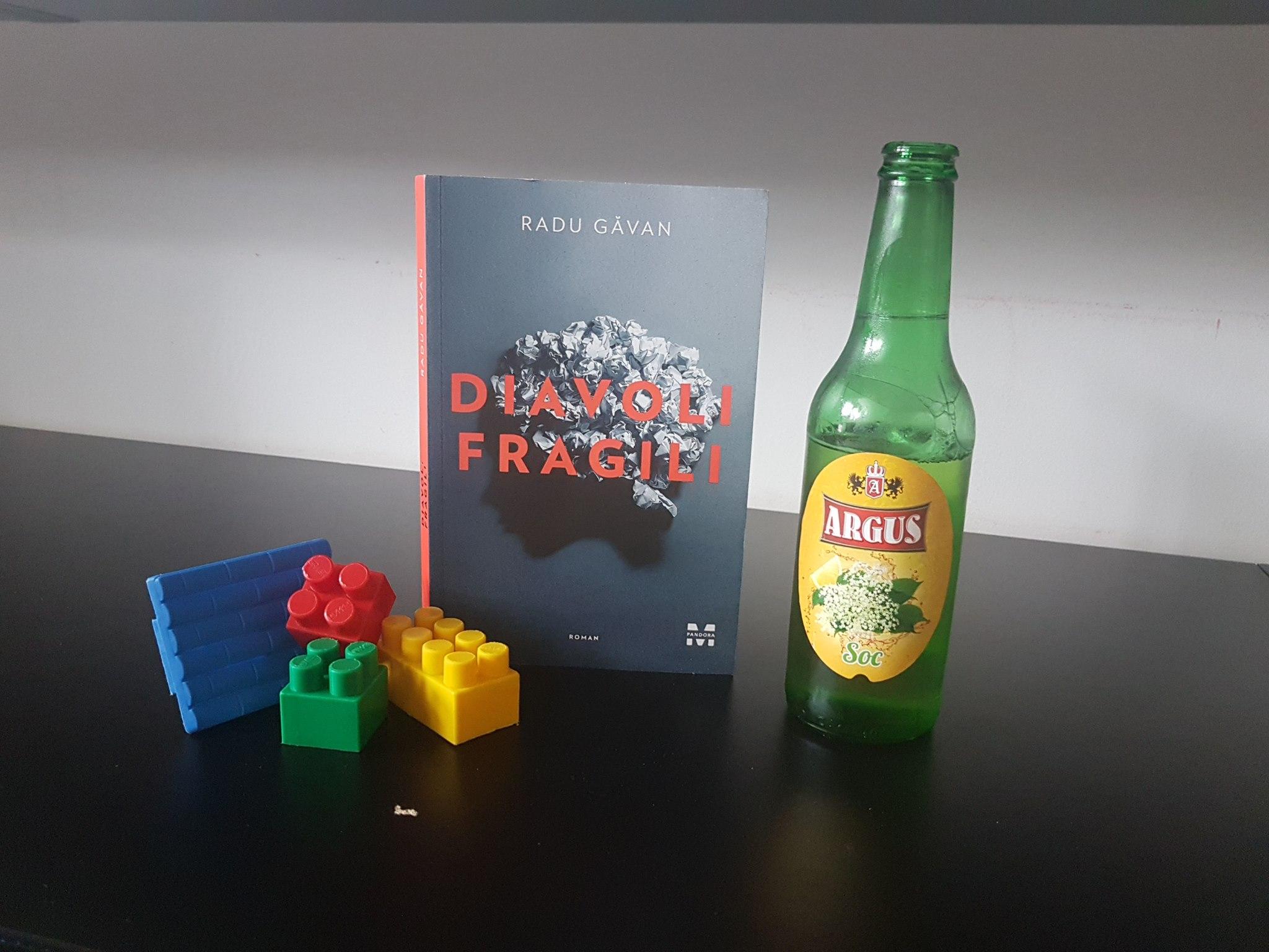 Diavoli fragili de Radu Găvan – o carte cât un univers psihic întreg