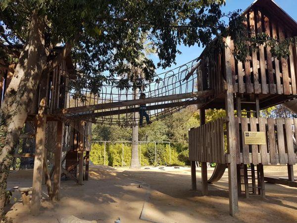 Barcelona zoo Loc de joaca