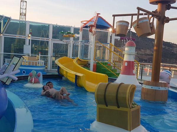 Costa diadema piscina exterioara copii