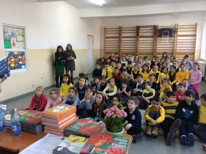Scriitorul Petre Craciun se intalneste cu elevii de la Liceul Teoretic William Shakespeare Timisoara