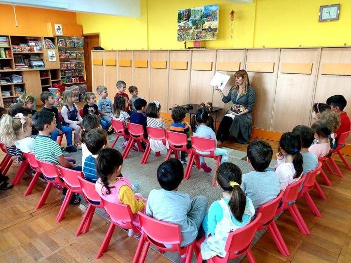 Școala banilor bine crescuți și Cristina Andone