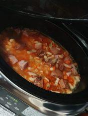 Fasole cu ciolan la slow cooker – un deliciu!